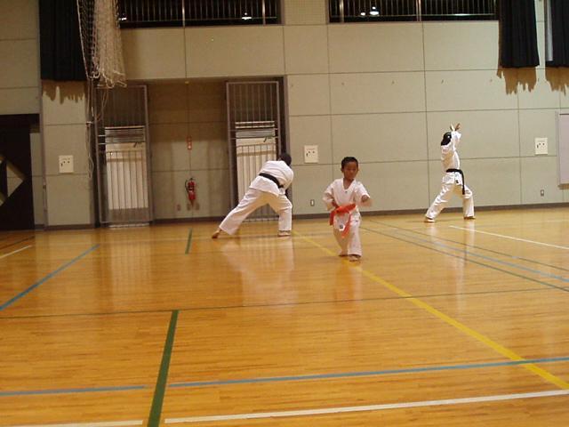 071003-keyaki-karate-009.jpg
